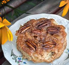 Pouding au pain aux pommes caramélisées à l'érable