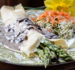Crêpes bretonnes croustillantes asperges et champignons sans gluten