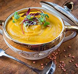 Potage de carottes et panais aux lentilles rouges sans gluten