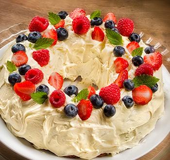Gâteau citronné  aux petits fruits. Recette sans gluten