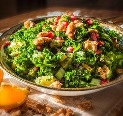 Salade de kale et pomme grenade